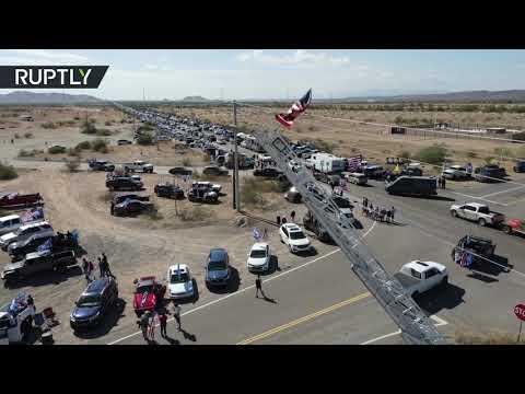 شاهد مسيرة سيارات ضخمة دعما لـترامب تجوب مدينة أميركية