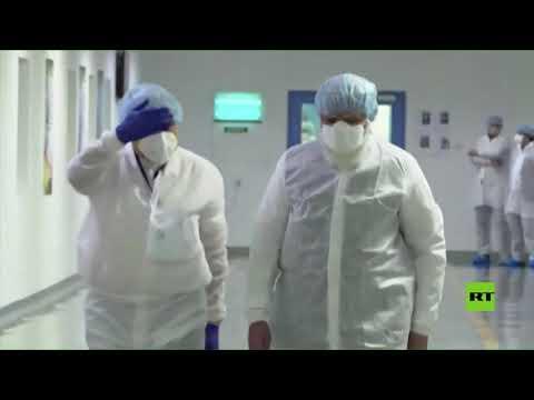 شاهد رئيس الحكومة الهندية يتفقد منشآت تطوير اللقاحات مع تزايد حالات كورونا